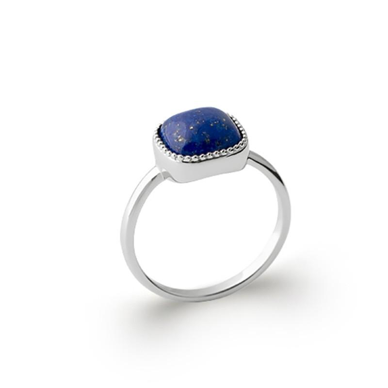 Bague en argent avec un cabochon carré en Lapis-Lazuli